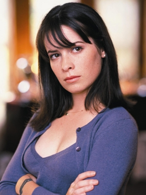 Piper Halliwell wig from Charmed