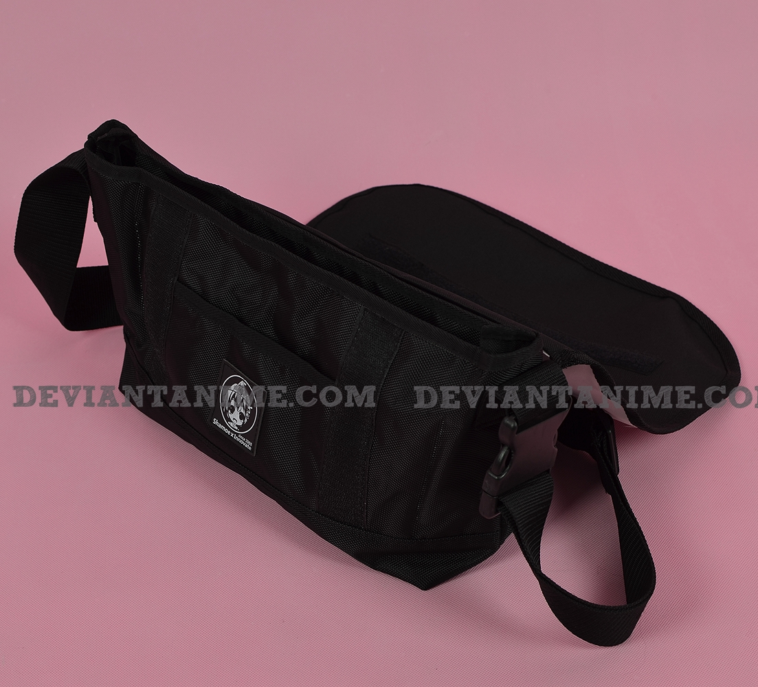 41349-Custom-Messenger-Bag-2-10.jpg
