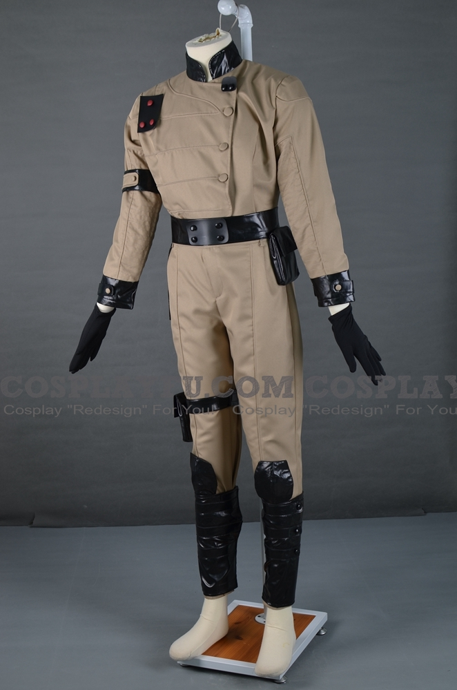 43125-Enclave-Officer-Cosplay-from-Fallout-3-1-2.jpg